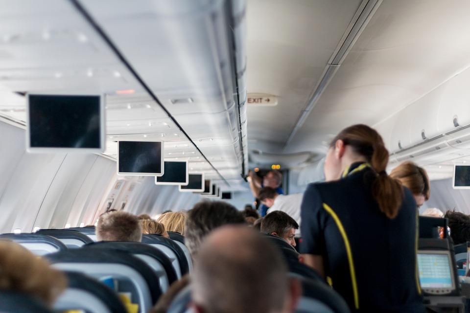 Fotografie des Innenraums eines Flugzeugs