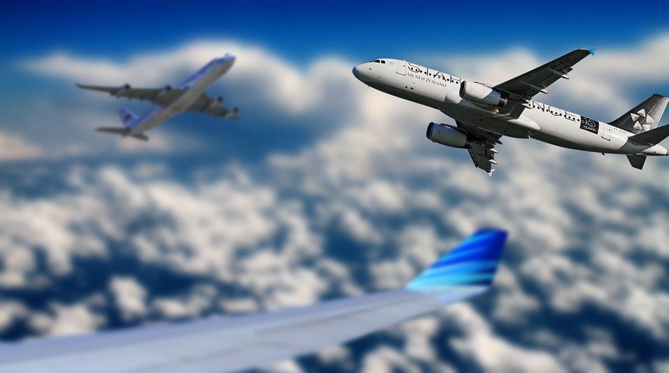 Darstellung eines fliegenden Flugzeugs