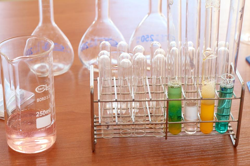 Reagenzgläser Arbeitsmaterial Chemielaborant