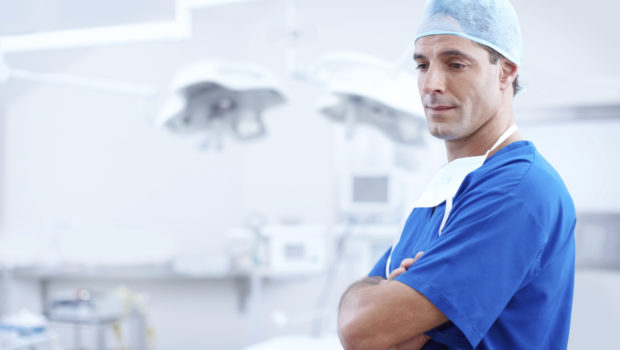 Vorteile und Nachteile der Schichtarbeit - Arzt im Operationssaal