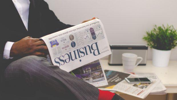 mann liest Business Magazine